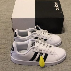 NWT Adidas CF Advantage Sz 6.5 White/Black Stripe